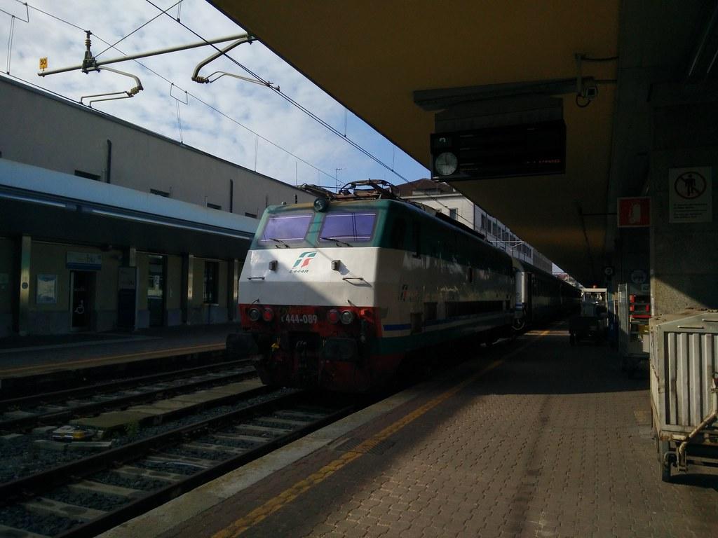 The world 39 s best photos of e444 and genova flickr hive mind - Orari treni torino porta nuova genova brignole ...