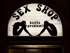 Basta problemi. Piazza Sempione, Milano. (Clement Guillaume) Tags: italy milan italia milano sexshop italie basta piazzasempione problemi bastaproblemi