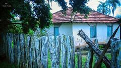 Casa de Fazenda (Vov Virso) Tags: casa de fazenda casaro sitio runas antiga cerca mouro azul