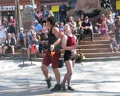 File0181 (mariej55quebec) Tags: red people woman man rouge artist femme crowd foule homme gens artistes vieuxqubec spectacle jongleur acrobates artistesderue amuseurs