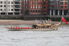 Gloriana, The Queens Rowbarge (roger_forster) Tags: gloriana row barge thames flotilla queen elizabeth 90th birthday london