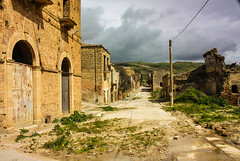 IMG_9701-1 (Andre56154) Tags: road italien sky italy house building clouds ruins himmel wolken haus ghosttown sicily gebude sizilien geisterstadt strase