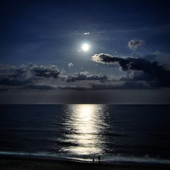 Moon over Myrtle (London Tom) Tags: moon reflection nature square myrtlebeach nikon southcarolina atlantic fullmoon squareformat moonlight naturephotography naturelovers nikond90 londontom iphoneography tmcox instagramapp uploaded:by=instagram riverislandphotography