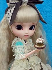 Happy Birthday, Emilly!! (Bell) Tags: birthday blue happy alice romantic pullip rosemberg emilly