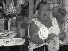 Madame grognon ? Mrs grumpy ? (alainpere407) Tags: portrait bangkok blackdiamond offerings offrandes candidpicture alainpere