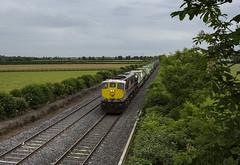 079 on Northwall-Ballina IWT liner at Kearneystown bridge 10-Jun-16 (metrovick) Tags: railroad railway irishrail freighttrain emd iarnrodeireann iwt containertrain jt22cw iwtliner ie071class ie079 railwaykildare emdexportloco