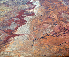 2016_06_02_lax-ewr_509 (dsearls) Tags: river utah flying desert aviation united country canyon aerial erosion rivers geology ual canyons arid aerialphotography jurassic stratigraphy unitedairlines windowseat windowshot weathering 20160602