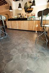_DSC1255 (fdpdesign) Tags: arredamenti shop design shopdesign nikon d800 milano italy arrdo italia 2016 legno wood ferro sedie tavoli locali cocktails bar interni architettura