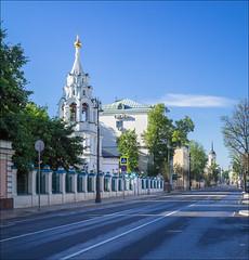 Russia. Moscow. Bolshaya Ordynka Street. (Yuri Degtyarev) Tags: street leica church t russia moscow moskau  moscou moskva 1856  cokin      varioelmar bolshaya  polaraizer p160  ordynka typ701