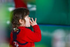Nena de Rojo (Alvimann) Tags: boy baby girl kids digital canon kid nios babygirl nio canoneos babyboy varon canon550d canoneos550d alvimann