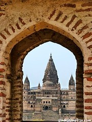 "Palacios de Orchha • <a style=""font-size:0.8em;"" href=""http://www.flickr.com/photos/92957341@N07/8725139876/"" target=""_blank"">View on Flickr</a>"