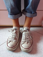 Boyfriend jeans (Behind Lenses) Tags: summer love shoes jeans converse shows allstar boyfriendjeans