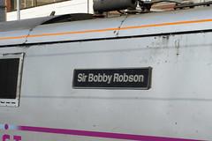 91109 Sir Bobby Robson (gooey_lewy) Tags: building london station set hub train four coast cross mark 4 lewis rail railway x class east kings bobby robson network sir mk 91 listed nameplate terminus managed electirc cubitt 91109