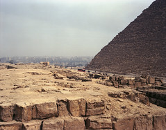 Keops pyramid, Gizeh site (martiandinach) Tags: trip travel color abandoned 120 film nature analog trekking mediumformat landscape ancient desert pyramid pentax kodak outdoor ruin egypt paisaje nile cairo backpacking backpack 6x7 portra giza 67 67ii keops analogic c41 gyzah