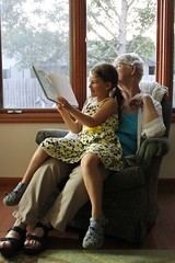 Avalon Reads to Grandma (Jaimee and Brian) Tags: mom illinois avalon sixandahalfyears