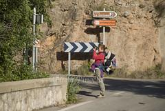 MONTANEJOS (CASTELLON-SPAIN) (ABUELA PINOCHO ) Tags: españa rio puente spain candid pueblo paisaje carteles castellon fotografa turista robado direcciones montanejos