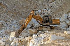 BENFRA 9.12B (marvin 345) Tags: marble toscana carrara marmo escavatore benfra abigfave movimentoterra