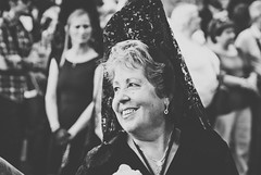 pROCESION (Hansis y Greta) Tags: madrid bw espaa woman byn mujer spain bn procesion peineta sonydsc