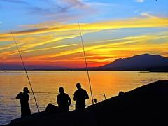 Pesca con caña (Antonio Chacon) Tags: sunset españa atardecer mar spain andalucia nubes costadelsol puestadesol marbella