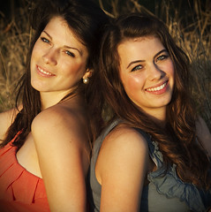 Sisterly Love... (akal_flickr) Tags: sun smile sisters femaleportrait