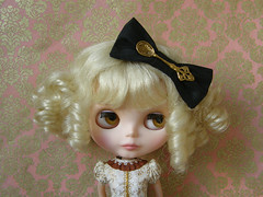 La Cucharita (Cossette...) Tags: set outfit doll dress spoon bow blonde blythe cossette ringlets rbl liccabody
