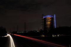 Gasometer Oberhausen bei Nacht (Vitalis Fotopage) Tags: pictures city light cars night germany deutschland nacht centro fast autos mitte ruhrgebiet 42 oberhausen neue gasometer a42