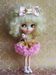 Baby Pink (Cossette...) Tags: set ruffles gold outfit doll dress princess spoon bow mohair blonde blythe custom tulle petticoat cossette rbl babypink liccabody