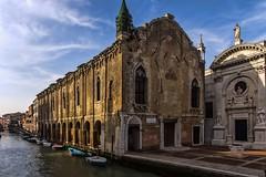 venezia 160403_264 (gmcvrphoto) Tags: barca chiesa finestra porta piazza acqua venezia riflessi architettura canale portico pozzo facciata allaperto