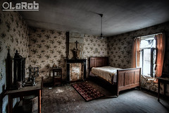 .. (LaR0b) Tags: urban house abandoned dave lost bed bedroom decay exploring exploration maison hdr highdynamicrange ue urbex lar0b