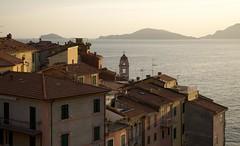 Tellaro sunset (Minari Fabio) Tags: sunset italy italia tramonto gulf marinaro liguria fishermans borgo poets golfo palmaria poeti tellaro