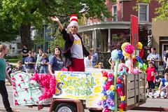 IMG_2816 (marylea) Tags: community michigan parade dexter memorialday 2015 may25 memorialdayparade washtenawcounty seussicalthemusical dextercommunityplayers