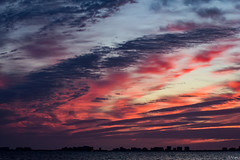 Mas colores (juliosabinagolf.) Tags: sunset sky espaa color clouds nikon cielo nikkor nube serenidad comunidadespaola d3300 cloudsstormssunsetssunrises cloudscopes