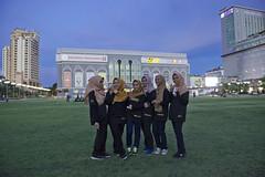 MYS051 Hatten Square - Malacca - Malaysia (VesperTokyo) Tags: scarf evening twilight asia dusk muslim teenagers unescoworldheritagesite malaysia  melaka malacca  younggirls