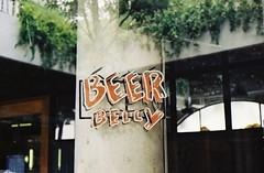 BEER BELLY - Thong Lo Bangkok (35mm) (jcbkk1956) Tags: film beer sign bar analog 35mm thailand bangkok belly manual carlzeiss kodacolor200 thonglo contaxrts 45mmf28