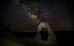 20160626 Delicate Arch Milky Way-3 (Tony Castle) Tags: park night canon way photography long exposure arch arches national 28 delicate milky 2470mm 5diii