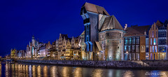 Gdansk panorámica de la ciudad histórica (dleiva) Tags: city reflection art skyline night outdoors europe crane machine poland geography domingo middleages pomerania lighteffect leiva generalview urbanscene dleiva