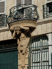 Atlante (xavnco2) Tags: house france statue architecture french casa maison balcon amiens picardie archi somme atlante