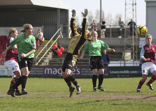 Lewes Ladies v West Ham 5 5 2013 6469