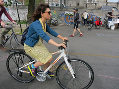 IMG_0686 (Planetgordon.com) Tags: bike manhattanbridge bikelane biketoworkday streetsblog