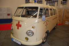 vw german ambulance (dav_min) Tags: blue light vw hospital germany frankfurt fast ambulance doctor german emergency medic 112 campervan firstaid 999 reponse