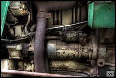 Deutz D 4006 Tractor engine. HDR. (irvin.nu) Tags: old tractor france canon crust high rust dynamic decay south wide engine frankrijk range chteau ultra hdr 1022 uwa deutz bonaguil 40d d4006 irvinnu