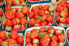 Strawberries. Ripe Strawberries! (Mark Twells) Tags: red france fruit strawberry pattern basket market strawberries provence lislesurlasorgue provencealpescôtedazur