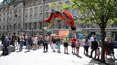 UK London 57 street acrobats (rafartreides2017) Tags: london canon streetacrobats clichésaturday