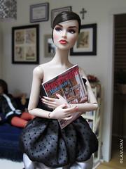"Poppy Parker Let's Kiss and Make Up (Fashion Royalty Lj - ""Bringing Dolls To Life"") Tags: toys dolls plasticdolls fashiondolls fashiondolldioramas fashionroyaltylj poppyparkersabrina"