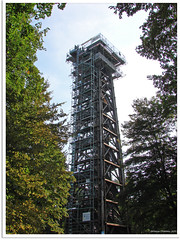 Frankfurt am Main - Goetheturm (Jorbasa) Tags: tower germany deutschland hessen turm geotag goethe observationtower goetheturm wetterau aussichtsturm johannwolfgangvongoethe frankfurtsachsenhausen holzbau goethetower jorbasa