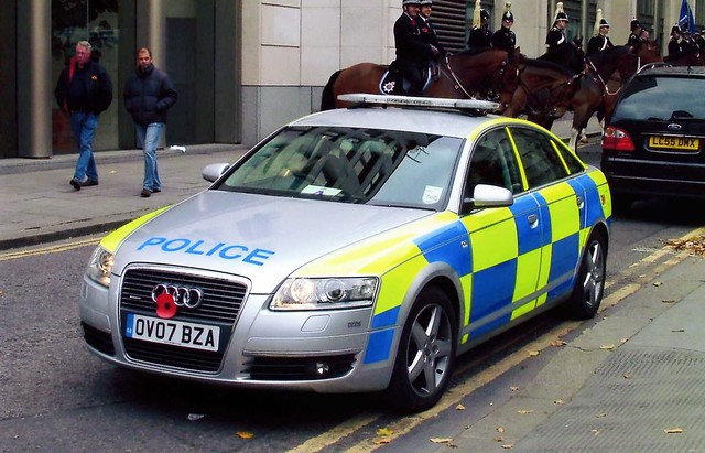 city london car police policecar vehicle emergency 2007 battenberg demonstrator audia6 ov07bza