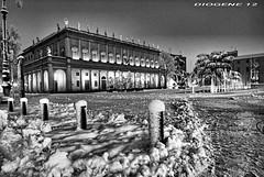 FEBBRAIO 2013 REGGIO EMILIA 2 ( February 2013 reggio emilia 2 ) ITALY (DIOGENE12) Tags: winter bw snow monument night square monumento bn neve piazza filters inverno notturno filtri