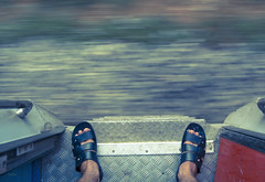 A wise man travels to discover himself! ([s e l v i n]) Tags: india motion feet speed train legs traveller traintravel selvin ©selvin