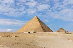 Gran Pirámide de Guiza (PUAROT) Tags: photography fuji cairo cielo nubes fujifilm desierto egipto fotografia mundo pirámide maravilla guiza puarot x100t wwwcesarcalvocom