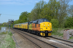 1Q51 derby rtc to eastleigh passing egleton 37254 tnt 37175 (I.Wright Photography over 2 million views thanks) Tags: passing tnt derby rtc eastleigh 37175 egleton 37254 1q51